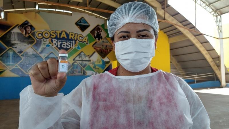 Vacinação, Sentimento de esperança para que a pandemia acabe logo. Fotos: Angela Bezerra - Assecom/PMCR. Reportagem: Angela Bezerra/Assecom/PMCR.