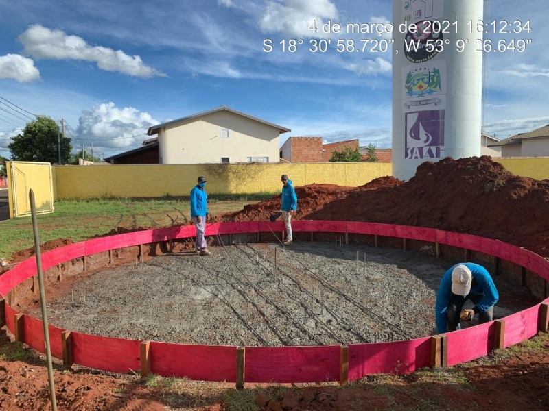 Mais um reservatório saindo do papel para ganhar forma e tornar-se realidade. Fotos: Assecom/PMCR. Reportagem: Angela Bezerra e Silvestre de Castro com informação da autarquia.